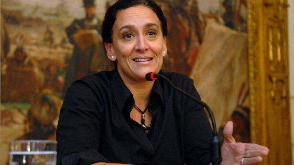 Senado: Gremios resisten la decisión de Michetti de rescindir más de 2 mil contratos