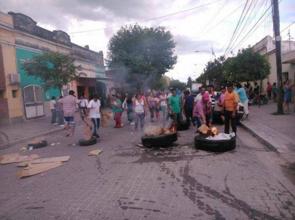 Los cruces por el traspaso de poder en Simoca se trasladaron al personal municipal