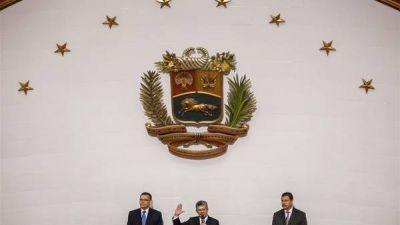 La oposición juró en el Parlamento y prometió sacar a Maduro en 6 meses