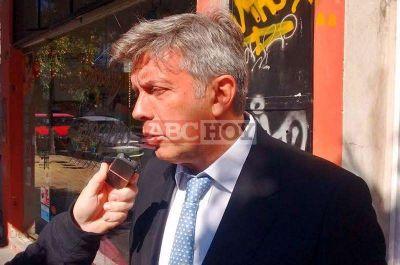 Mauricio D'Alessandro pasó por Tandil y entregó varios subsidios