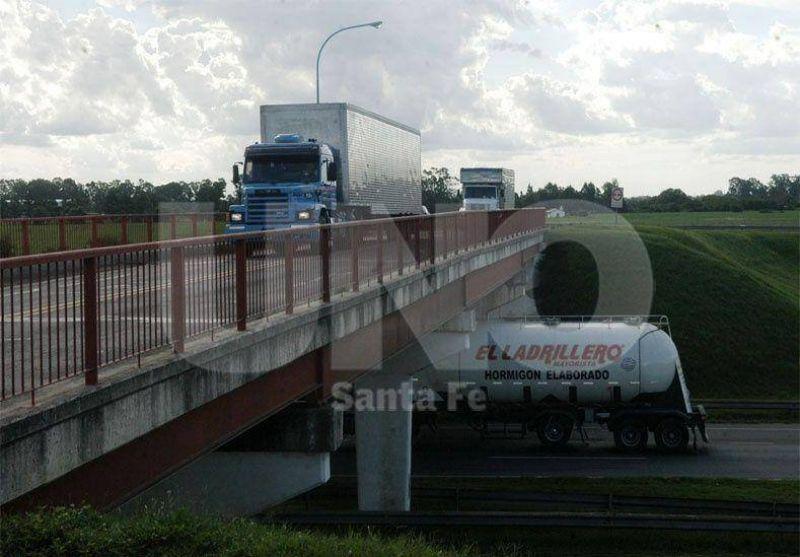 Transportistas atentos al precio del combustible para actualizar tarifas