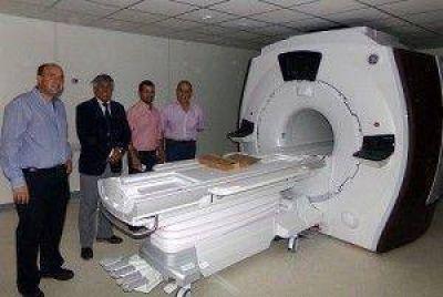 """Legisladores de """"Cambiemos"""" estuvieron en el Centro de Medicina Nuclear y Molecular"""