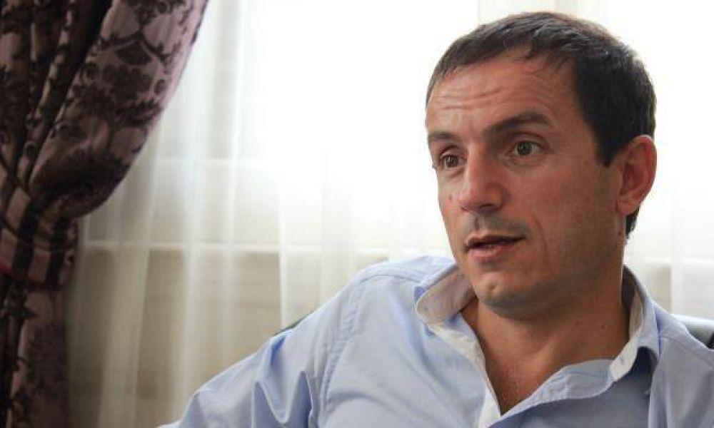 """Sebastián Abella: """"El desafío es hacer que el empleado municipal rinda para que el vecino se sienta bien atendido"""""""