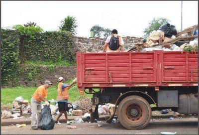 Continúa el operativo de limpieza dispuesto por la Municipalidad