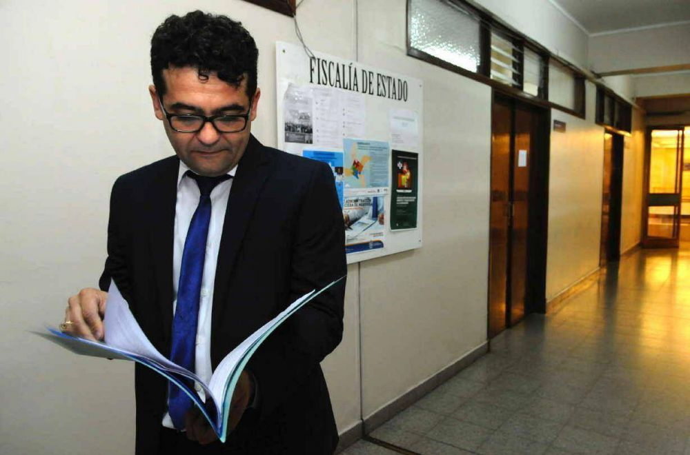 Gobierno denuncia irregularidades por falta de bengalas