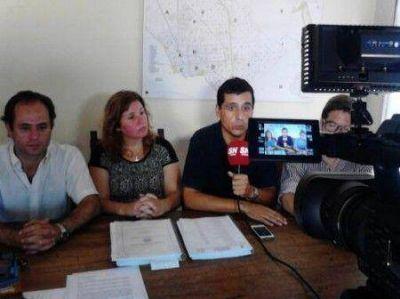 Para los concejales de la UCR, Javier Gastón no respeta las normas vigentes