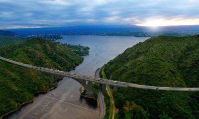 Con el puente de Carlos Paz, Schiaretti acumula ya promesas de obras por $ 4 mil millones