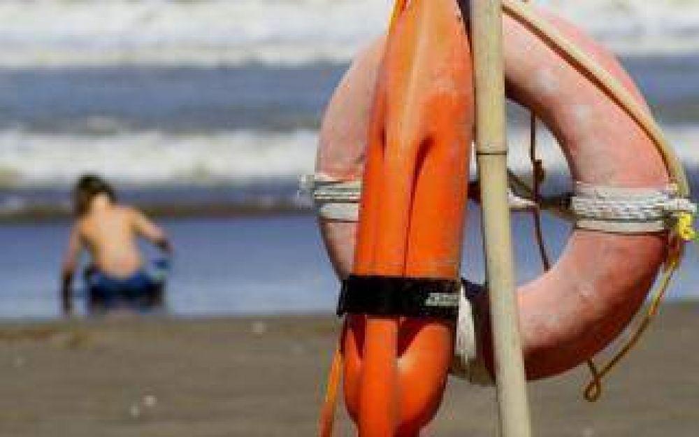 Crecen los conflictos con guardavidas en la Costa Atlántica