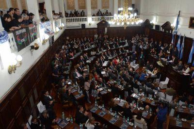 El Senado vota hoy el primer presupuesto de la era Cornejo