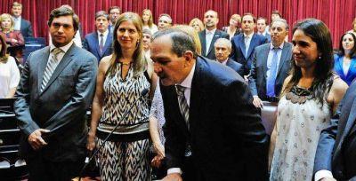 ALPEROVICH ya tiene 13 EMPLEADOS en el Senado, incluyendo a su sobrina
