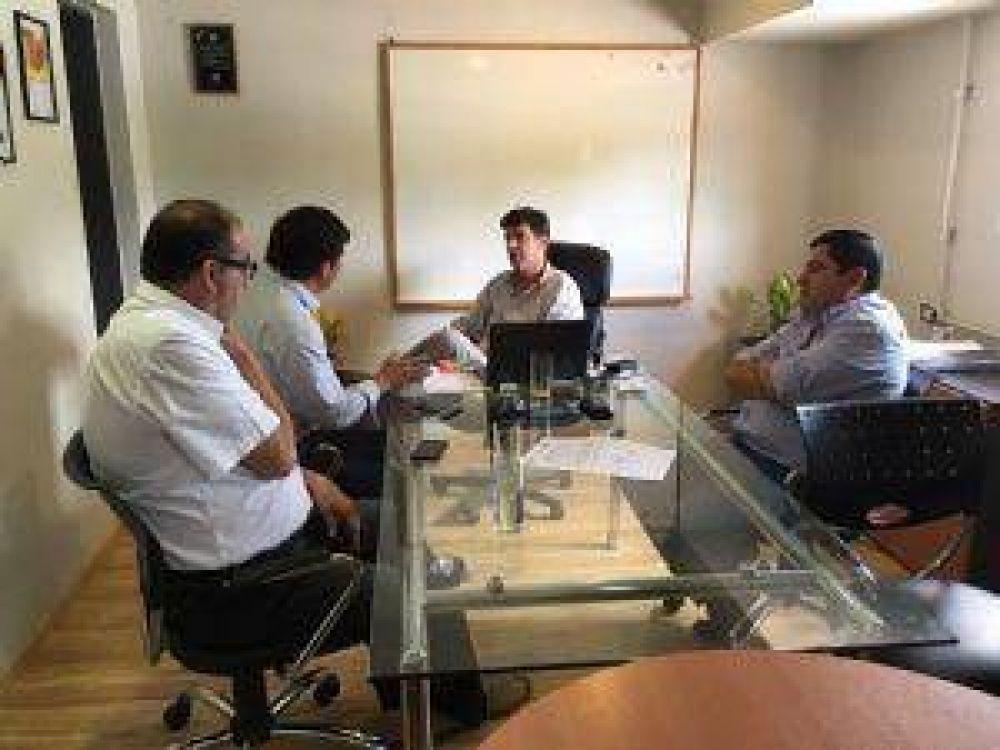 Senadores plantearon necesidades de obras al ministro Dalla Lasta