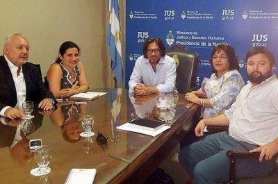 Aranda inició gestiones nacionales por la equiparación salarial de los judiciales
