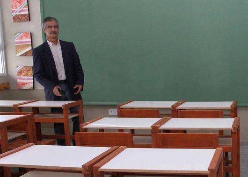 Rufino confirmó compensación salarial: Docentes correntinos cobrarán $460 con haberes de enero