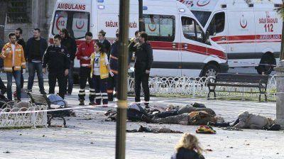 Fuerte explosión en una plaza turística de Estambul: hay muertos y heridos