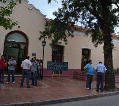 FCR ACLARA QUE NO DARÁ QUÓRUM SI SE PIDE LA DESTITUCION DE PAREDES URQUIZA