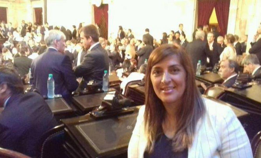 "Diputada Molina dijo que la senadora Soria ""no ayuda a los riojanos"""