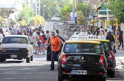 Los viajes en taxis disminuyeron en un promedio del