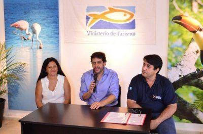 Trabajan en avanzar a lo largo de año en la redacción de una Ley integral del turismo