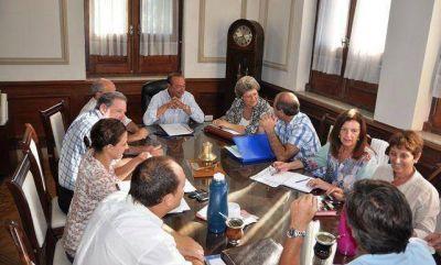 Sánchez se reunió con el grupo de apoyo a la salud oficial