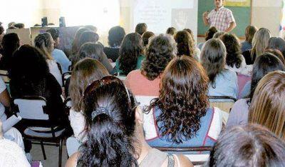 Luego de casi una década, docentes concursarán para ascender