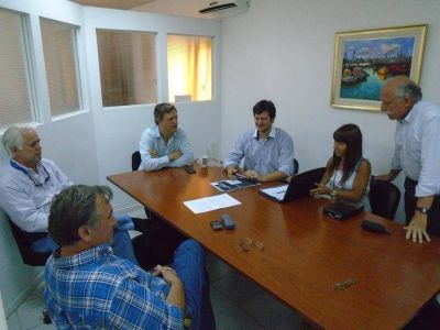 Reuni�n del Concejal Alconada Zambosco con los Defensores del Pueblo y representantes del ejecutivo por medio ambiente