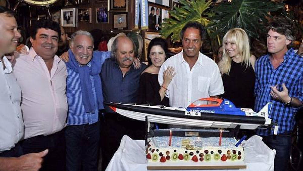 Torta con lancha y Truco en La Ñata, para celebrar los 59 de Scioli