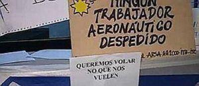 Trabajadores de Sol mantienen acampe en Aeroparque