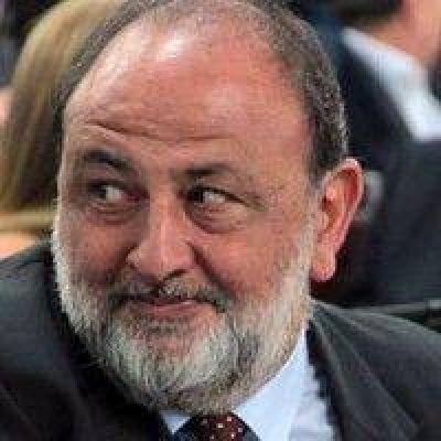 Obeid destacó el encuentro de Macri con las hijas del fiscal Nisman