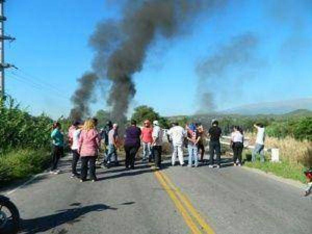 Valle Viejo estuvo sitiado por la protesta de los municipales