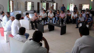 Intendentes del FCS bajaron el tono a la interna y piden diálogo con nación