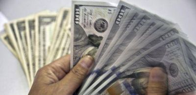Dólar finalizó casi estable a $ 13,77