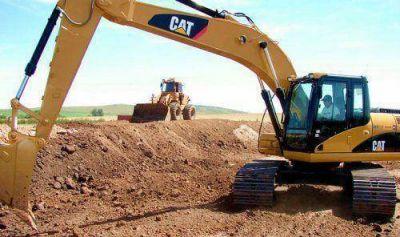 Servicios Públicos comenzó el movimiento de suelos en los sectores afectados por las recientes lluvias