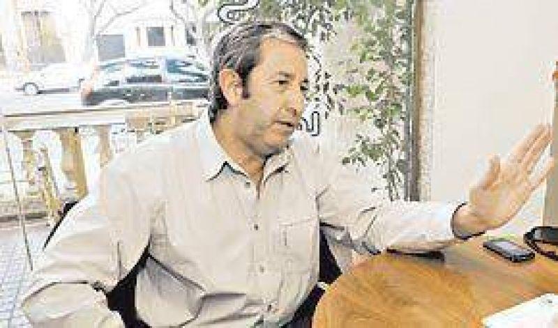 """Cobos: """"Está bien que investiguen el patrimonio de los Kirchner"""""""