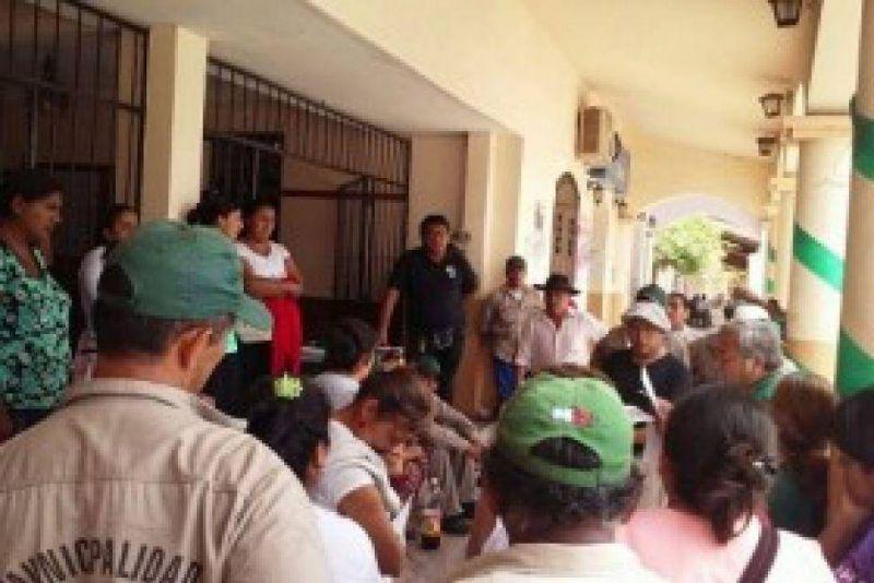 La Municipalidad sigue paralizada, tomada y nadie da la cara en Moldes