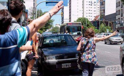 Para los transportistas, el boleto de colectivo debería costar $7,41