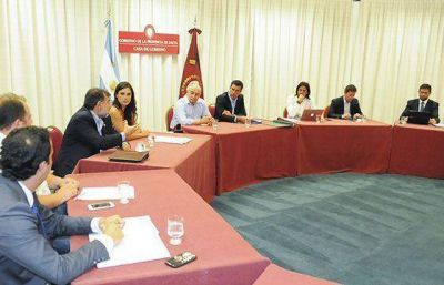 El gabinete provincial analizó el decreto que aumentó la coparticipación de la CABA
