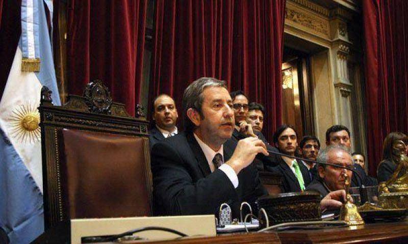 Cobos volvió a cuestionar al Gobierno, esta vez por la pobreza