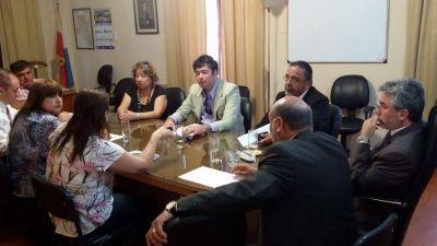 Gutiérrez propone que se realicen unas tres reuniones paritarias