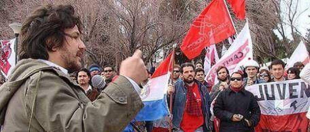 """De la mano del hijo del 'Coti' Nosiglia, la juventud radical pide """"renovación"""""""