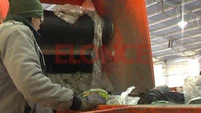 Instar�n a los vecinos de Paran� a separar los residuos en sus domicilios
