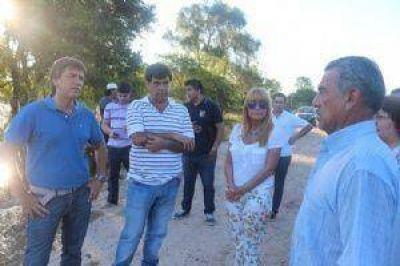 Aída Ayala recorrió localidades afectadas por la inundación