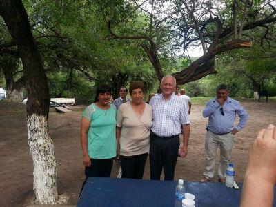 Gustavo Jalile se reuni� con vecinos chacareros