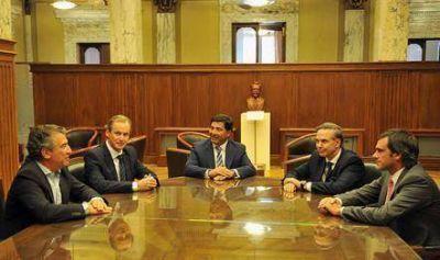 Bordet, Pichetto y Urribarri, mantuvieron un encuentro en la Auditoría General de la Nación