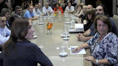 El gobierno de María Eugenia Vidal y los docentes de la provincia comenzarán a discutir salarios el 3 de febrero