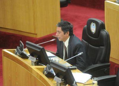 Detienen en nuestra provincia, tras una cinematogr�fica persecuci�n, al diputado provincial tucumano Emiliano Vargas Aignasse con marihuana