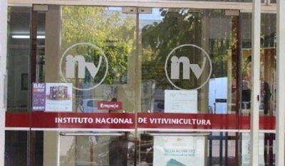 Uñac se reunió con nuevas autoridades del INV y hablaron del sobrestock