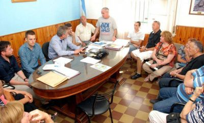 El intendente dijo que ya están los fondos para terminar 10 casas en Villa Rosas