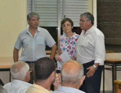 El Intendente mantuvo un mano a mano con los vecinos de Comodoro Py