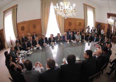 Nación convocó a los partidos políticos para debatir la reforma política