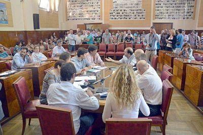 El oficialismo aprobó en Hacienda la declaración de la emergencia municipal